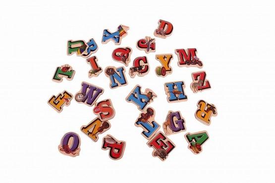 Set litere magnetice din lemn 26 piese
